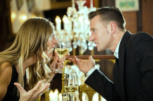couple quarrels at restaurant